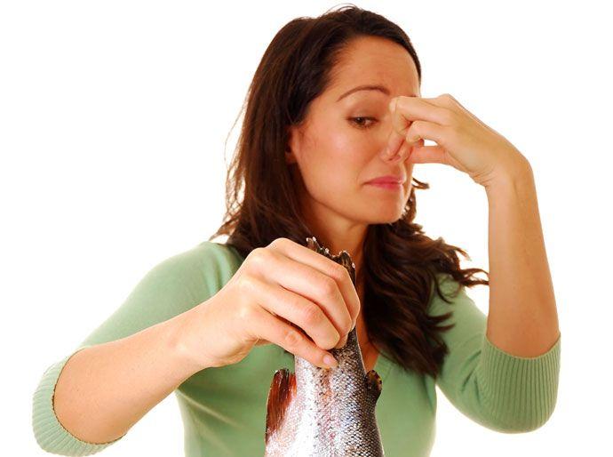 Запах от беременной тухлой рыбы